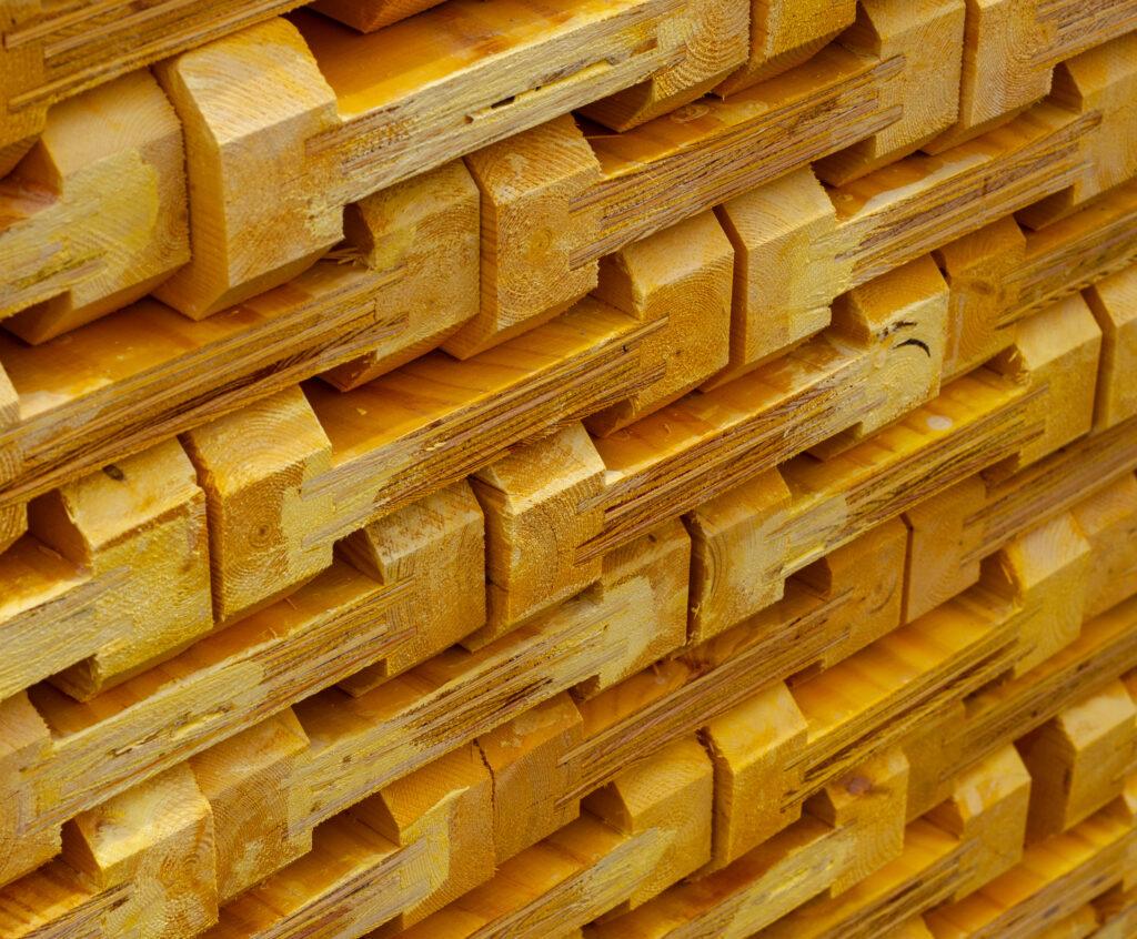 Dźwigar drewniany FW (nieokuty) widok z boku w przybliżeniu
